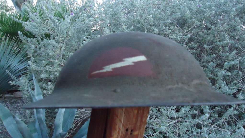 Identification insigne Casque Brodie WW1 Dsc00410