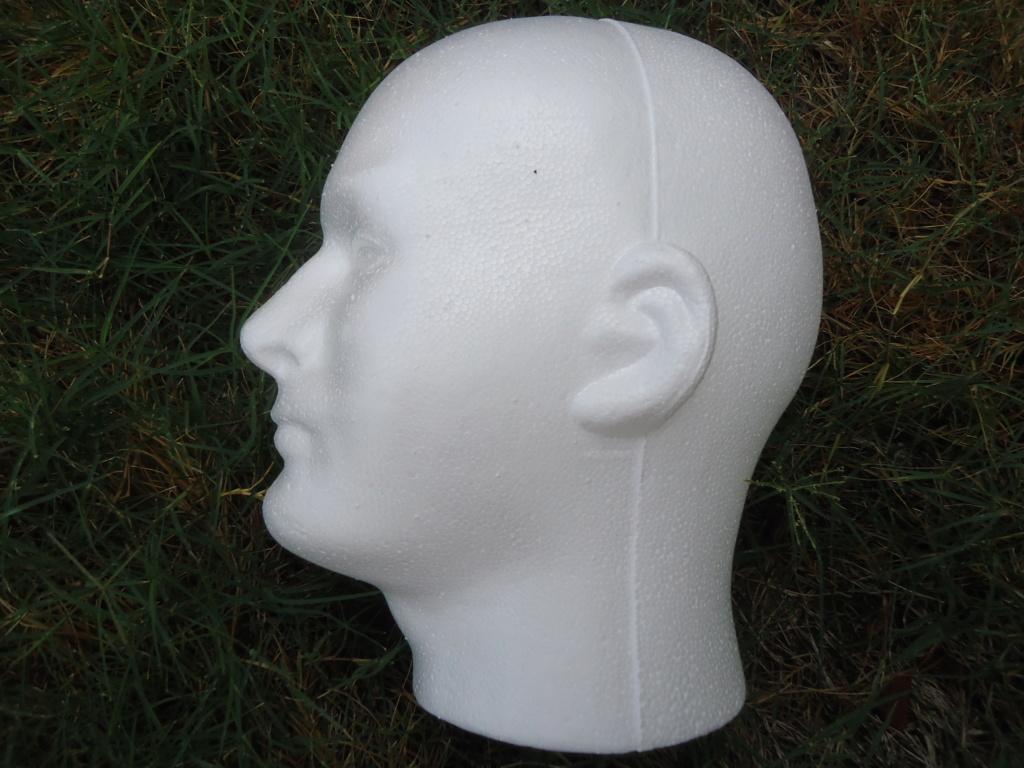 Tete en polystyrène  Dsc02410