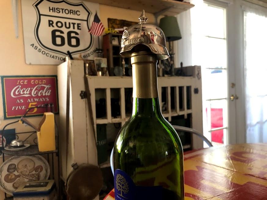 Casque a pointe pour bouchon de bouteille Img_0964