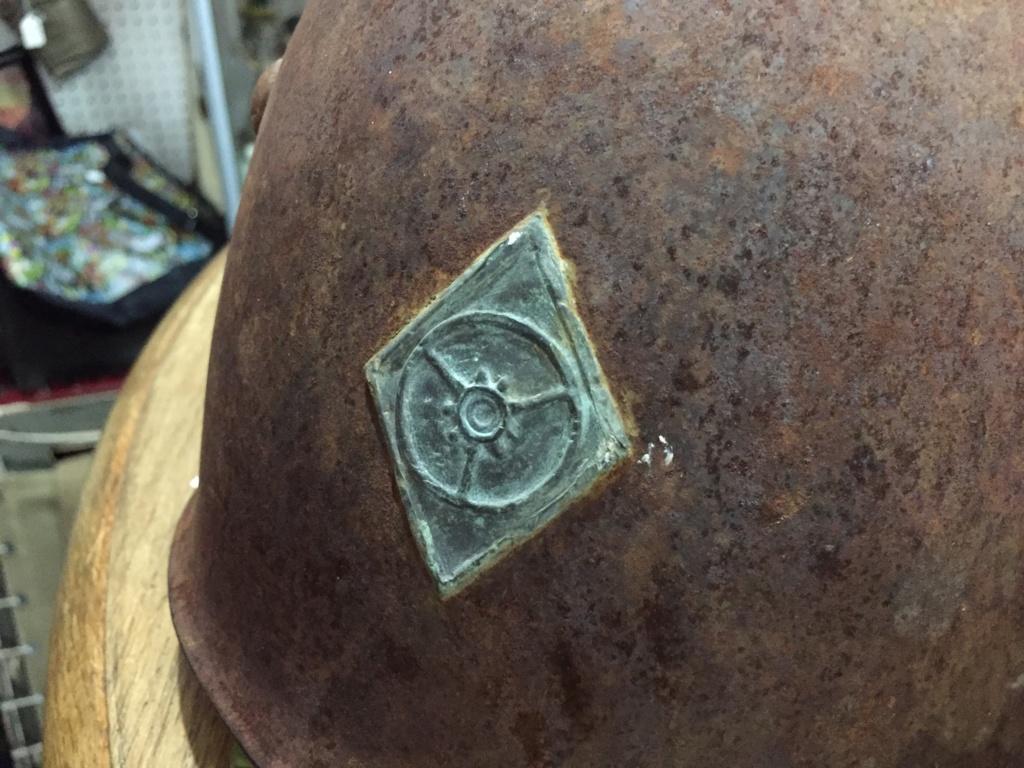 Casque Italien avec insigne en metal ? Img_1537