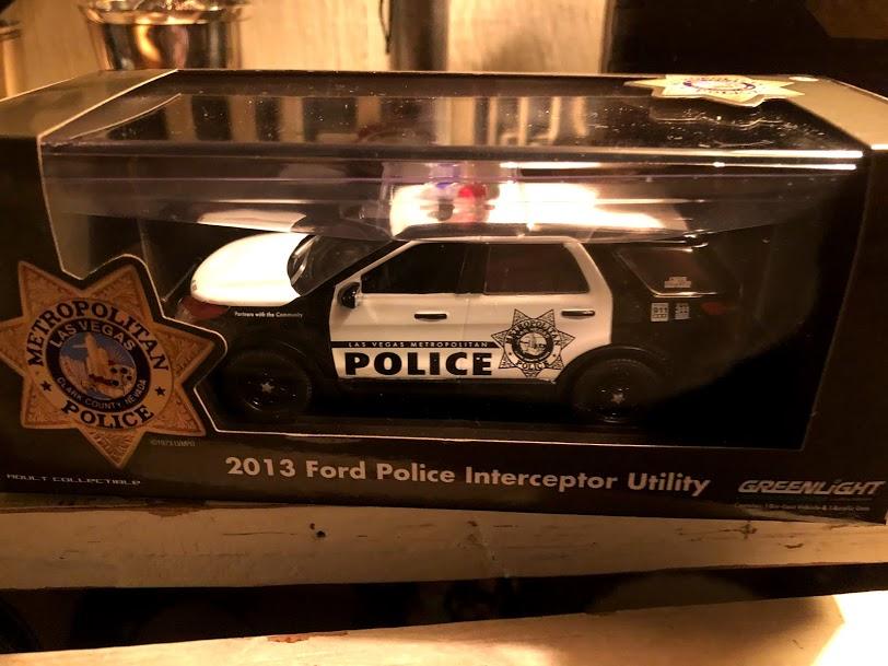 Cadeau de mon fils policier Img_5012