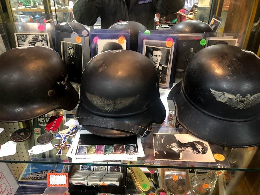 Des casques Allemands vu en brocante cette apres-midi Img_5547