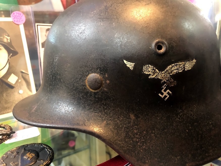 Des casques Allemands vu en brocante cette apres-midi Img_5616