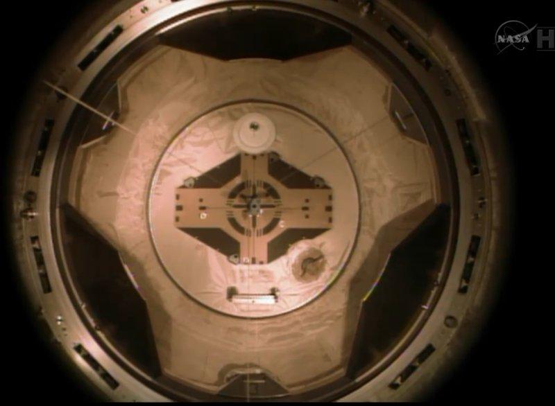 [STS-134] Endeavour: Déroulement de la mission.   - Page 6 Image120