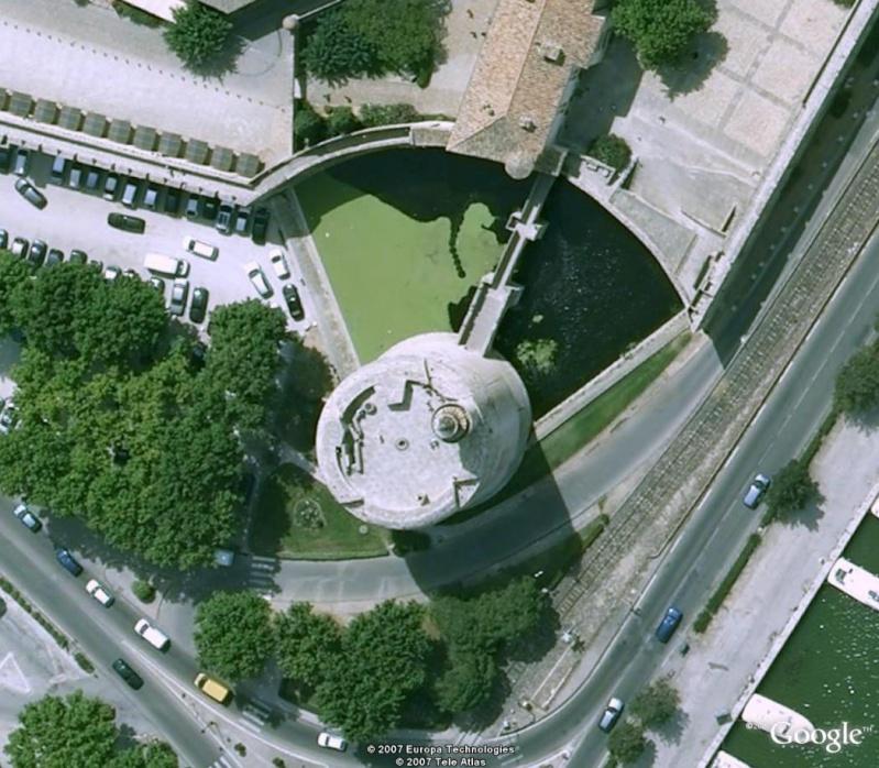 tour constance- Aigues-Mortes- France [trouvé ] Sa_sa10