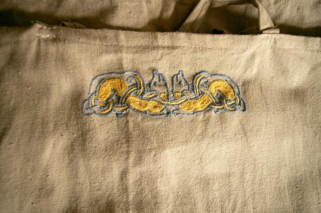 Broderie sur tunique viking ( Le retour ! ) _igp0110