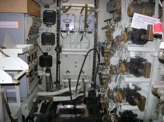 [Les Musées en rapport avec la Marine] Sous-Marin  Flore - Page 2 Dscn0012