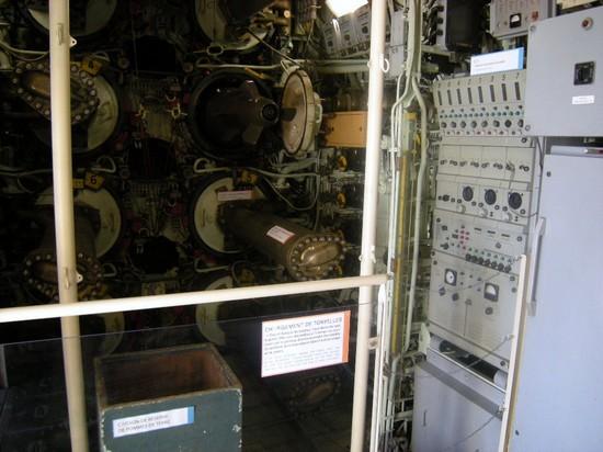 [Les Musées en rapport avec la Marine] Sous-Marin  Flore - Page 2 Dscn2917