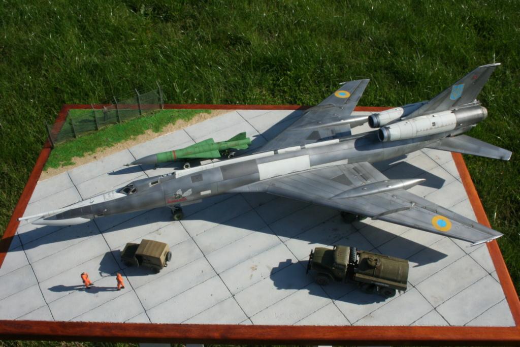 TU-22KD Blinder - 1/72è Modelsvit - C'est grand ! 2410