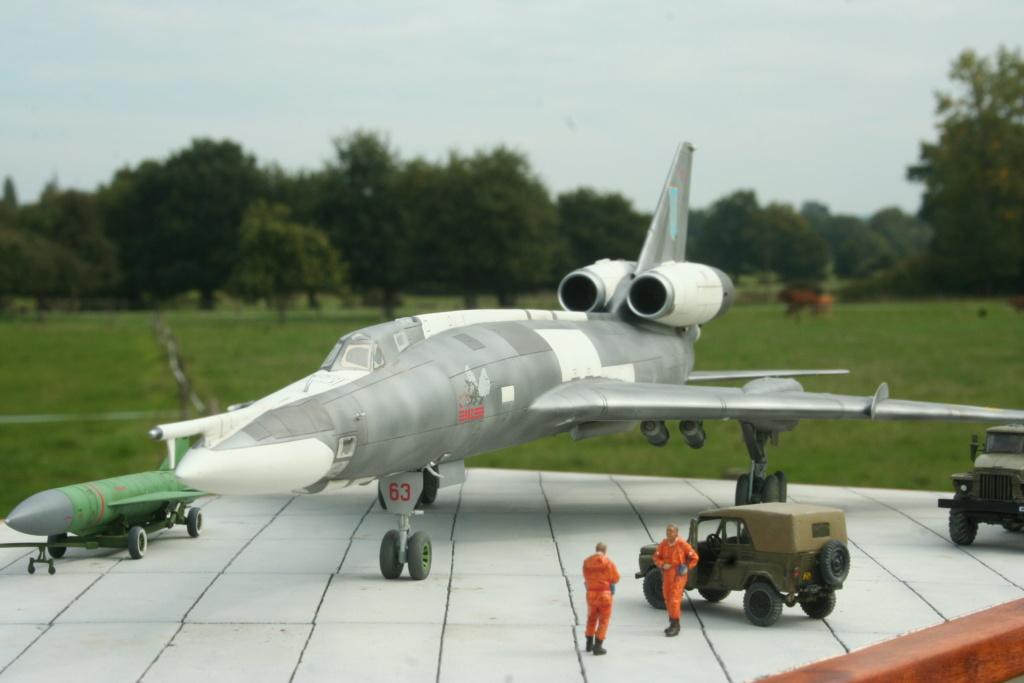 TU-22KD Blinder - 1/72è Modelsvit - C'est grand ! Img_0011