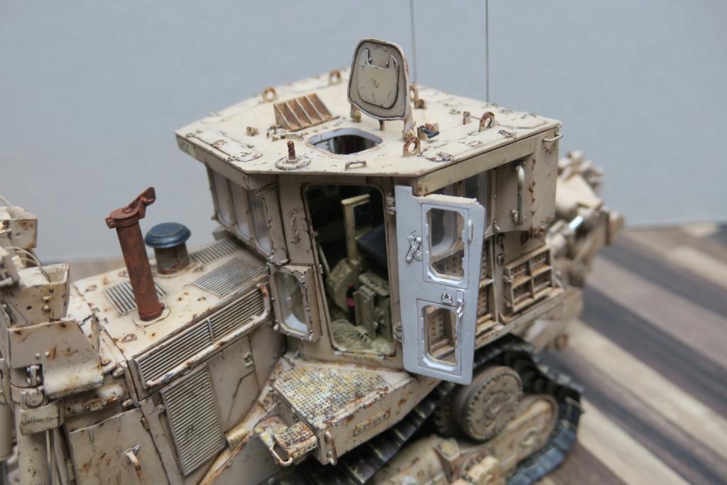 D9 R Bulldozer Meng au 1/35è - Page 4 Img_0016