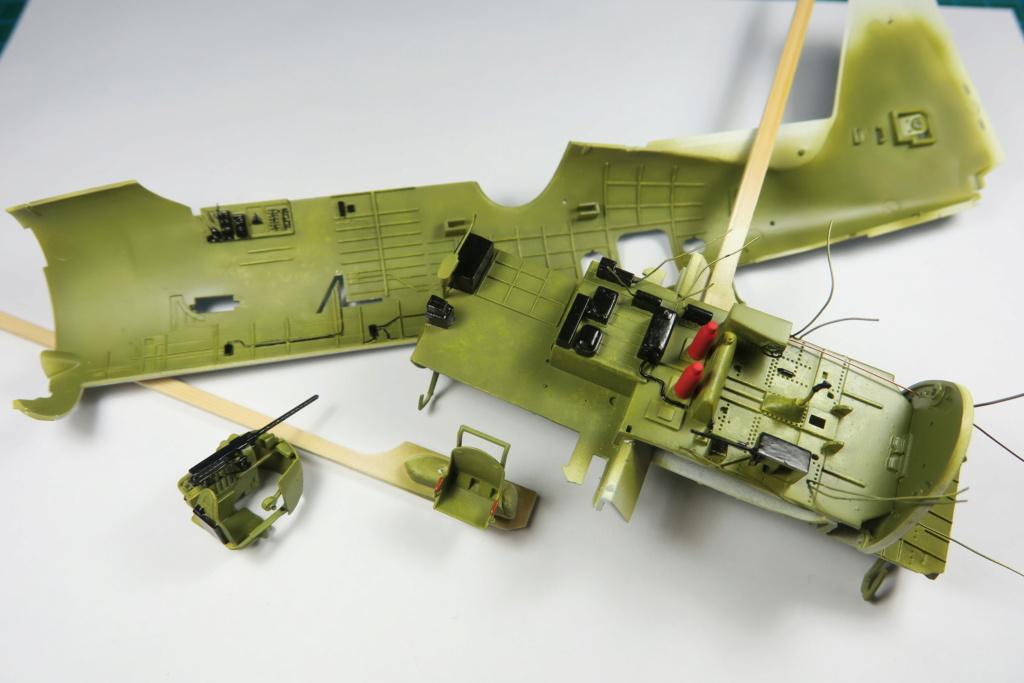 TBF1-C Avenger HobbyBoss 1/48 - Training Squadron 1943 - Page 4 Img_0854