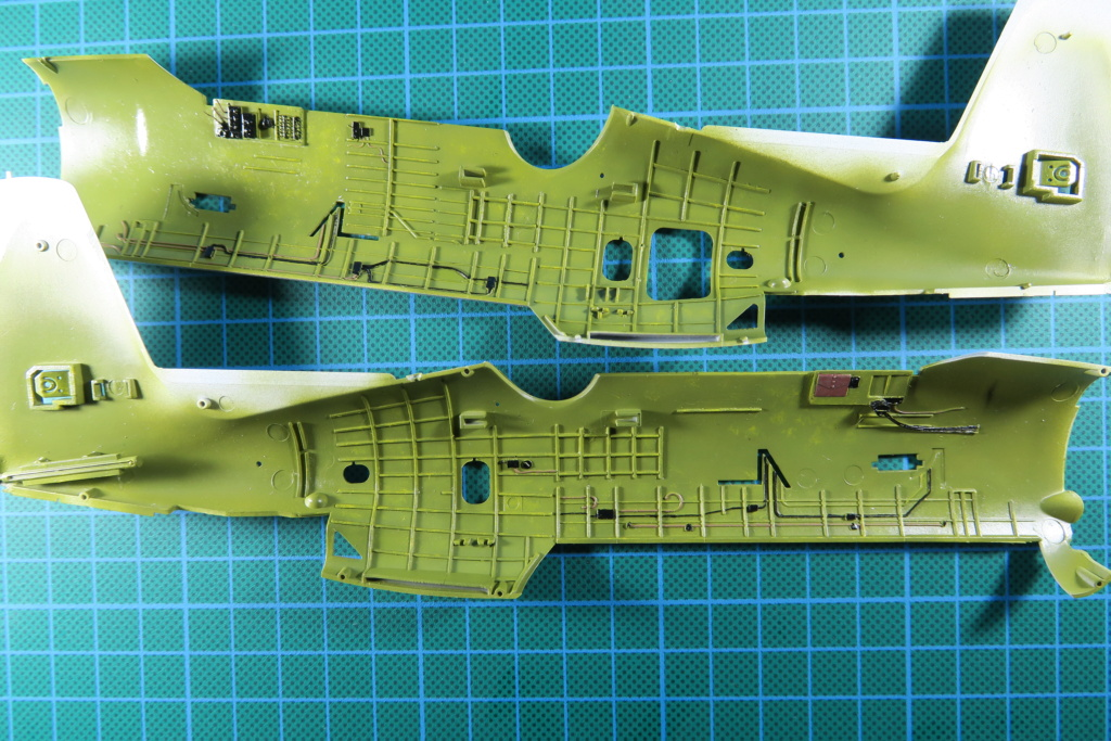 TBF1-C Avenger HobbyBoss 1/48 - Training Squadron 1943 - Page 4 Img_0870