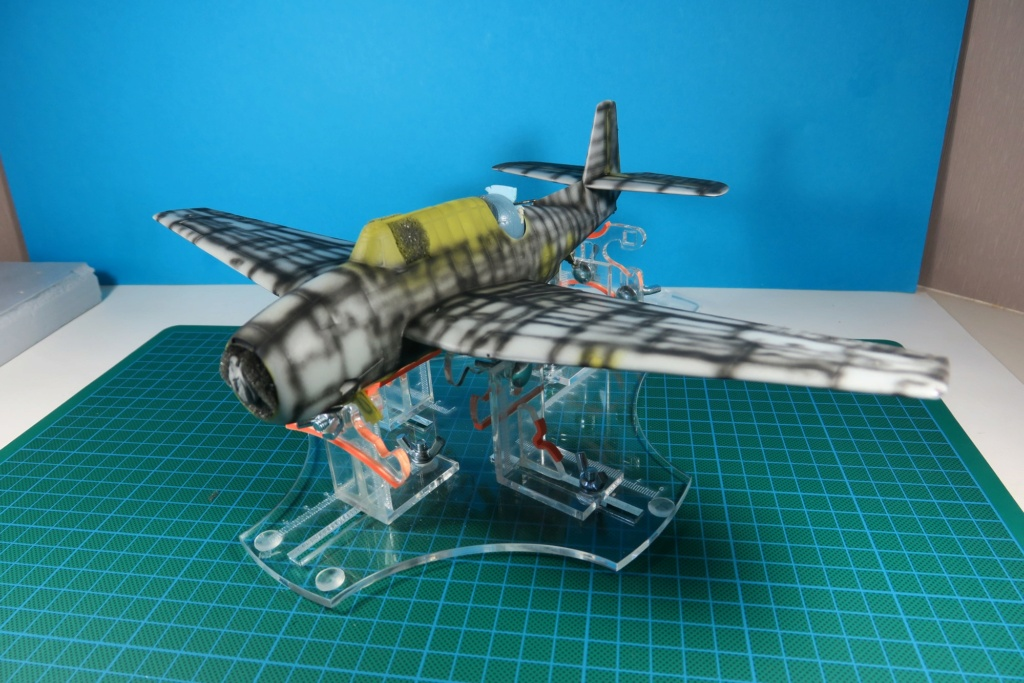 TBF1-C Avenger HobbyBoss 1/48 - Training Squadron 1943 - Page 8 Img_1017