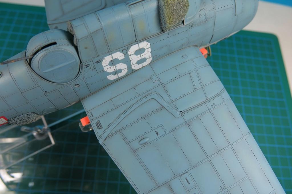 TBF1-C Avenger HobbyBoss 1/48 - Training Squadron 1943 - Page 10 Img_1125