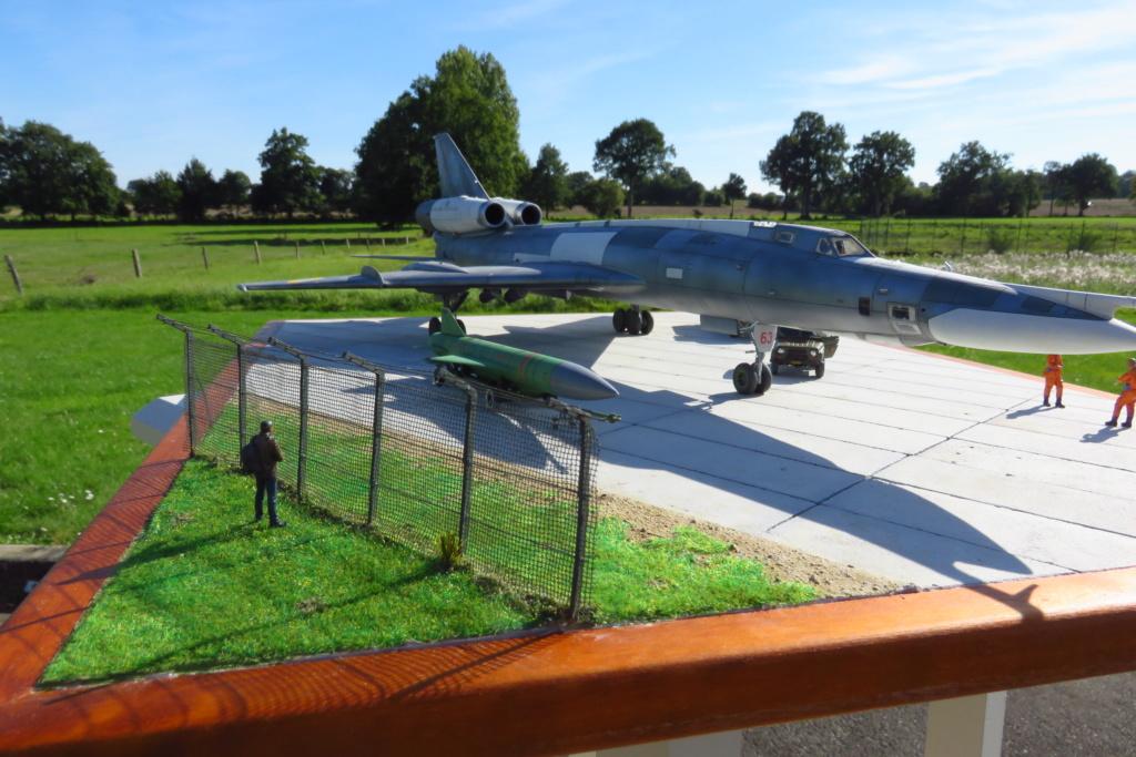 TU-22KD Blinder - 1/72è Modelsvit - C'est grand ! Img_3413