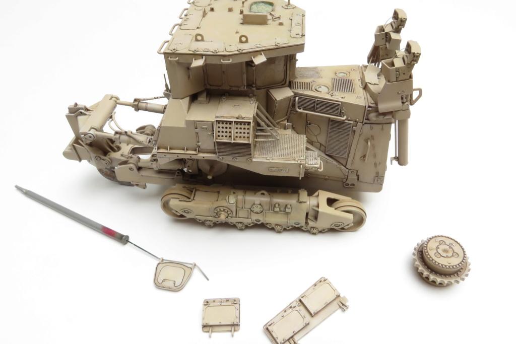 D9 R Bulldozer Meng au 1/35è - Page 3 Img_4730