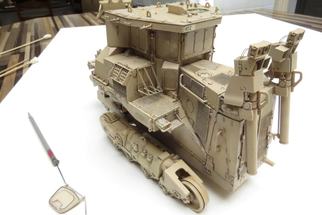 D9 R Bulldozer Meng au 1/35è - Page 3 Img_4731