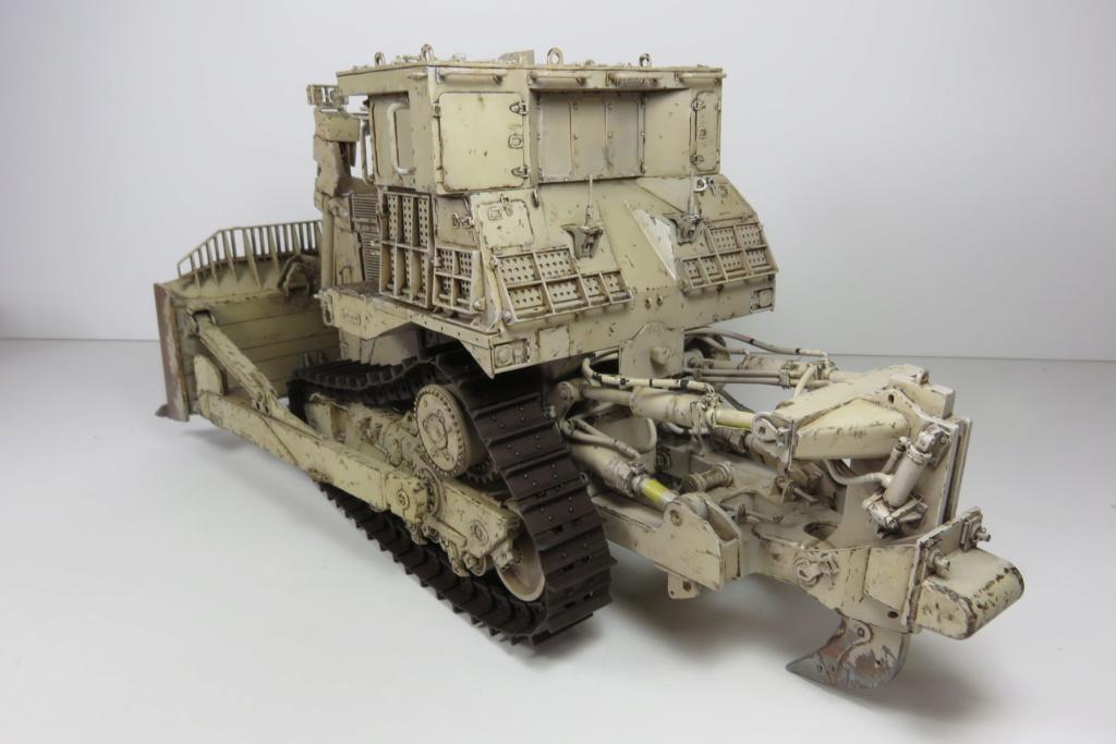 D9 R Bulldozer Meng au 1/35è - Page 3 Img_4740
