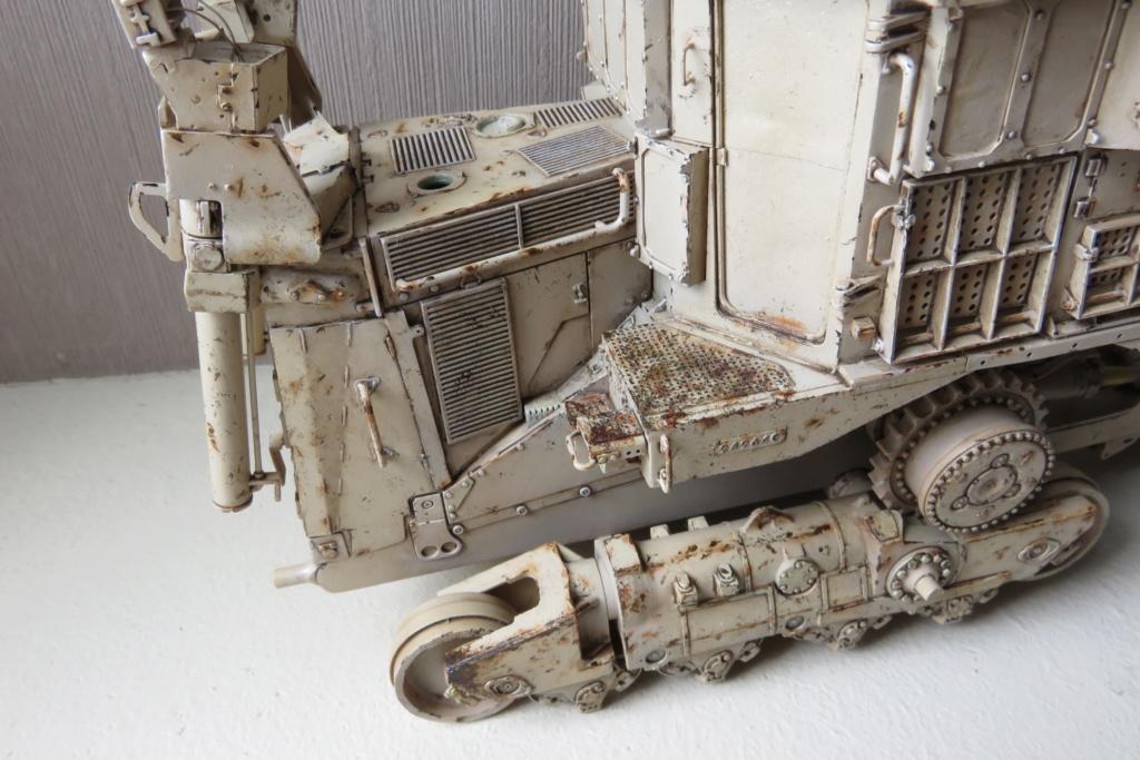 D9 R Bulldozer Meng au 1/35è - Page 3 Img_4748