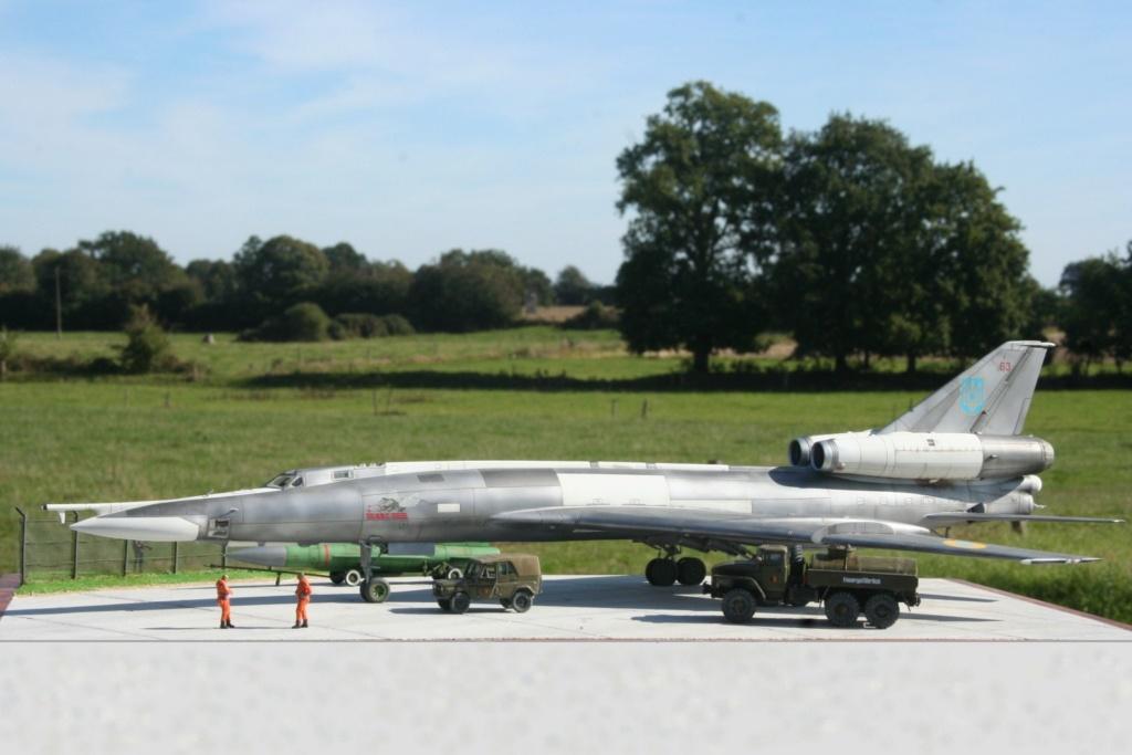 TU-22KD Blinder - 1/72è Modelsvit - C'est grand ! Tu310