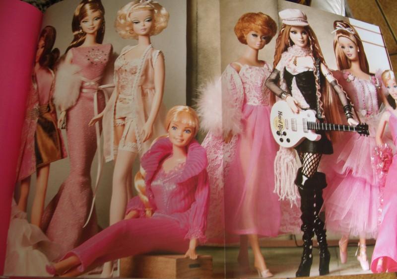 """Superbe livre de photos """"Barbie"""", éd. Assouline Gedc4018"""