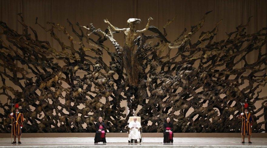 Francisco, reinado o pontificado. - Página 10 Eyj0ex10