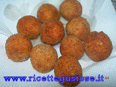Polpette di avena , ricetta fotografata su www.ricettegustose.it Polpet12