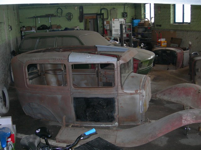1930 Ford Tudor - projet hot rod Jeud0410