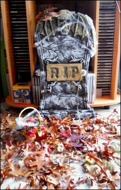 [Concours] La plus belle decoration d'Halloween  - Page 2 Crez10