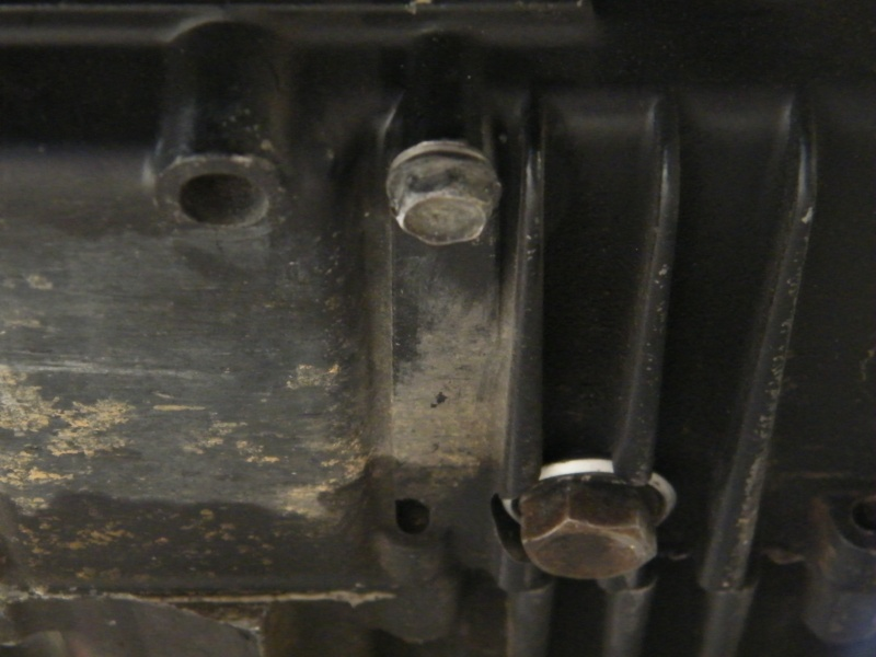 800 VN - vidange circuit de refroidissement Dscf7831