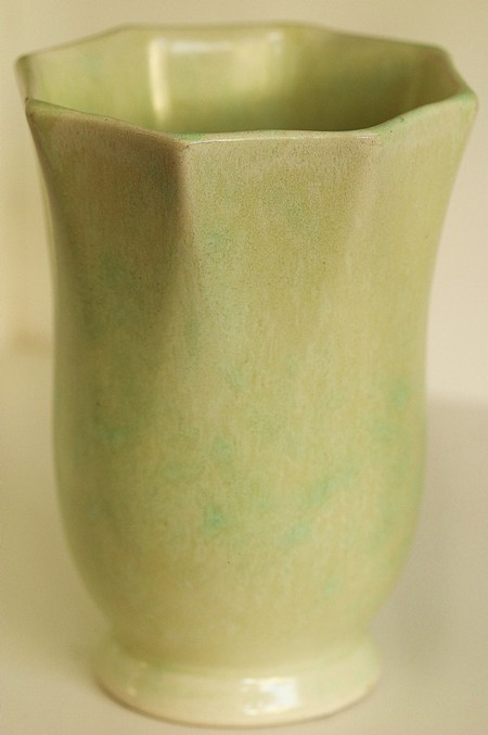 The lovely 79 Crown Lynn Vase from the collection of Marcus 7910
