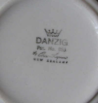 white - Cook & Serve Coffee Cans: Including a Tacoma Coffee Service - Page 2 Danzig12
