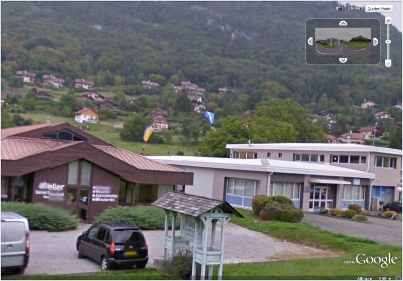 STREET VIEW : 2 parapentes dans les Alpes (Perroix, lac d'Annecy) Dede10