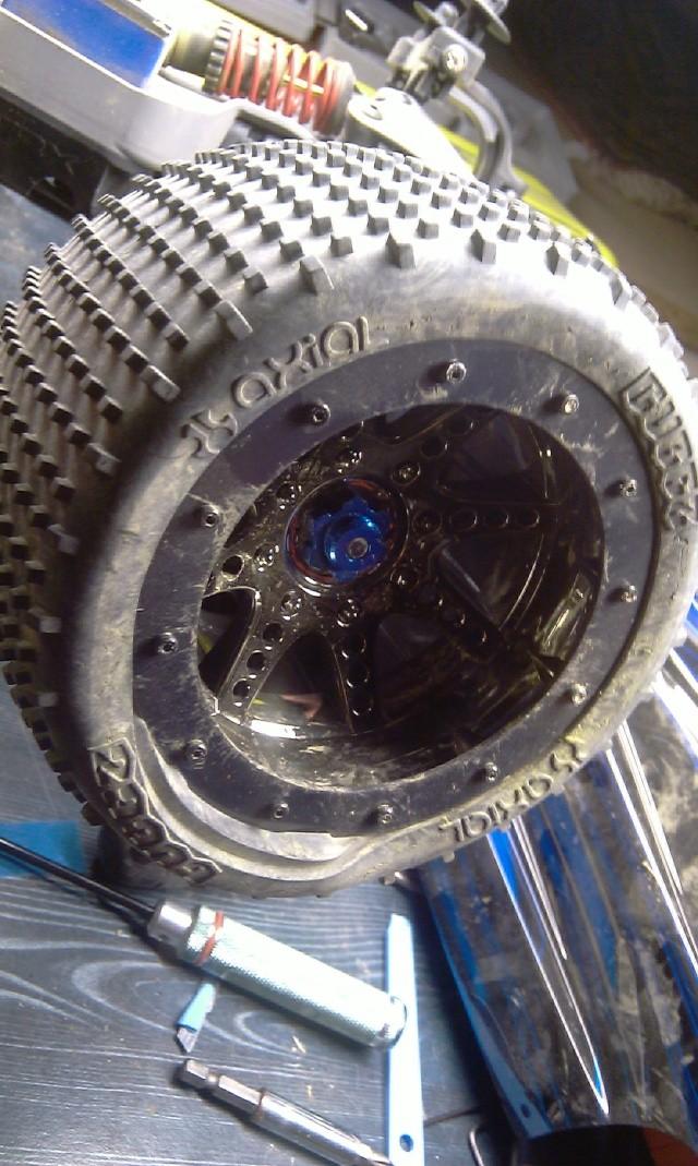 Même type de pneus que ceux d'origine - Page 4 Imag0016