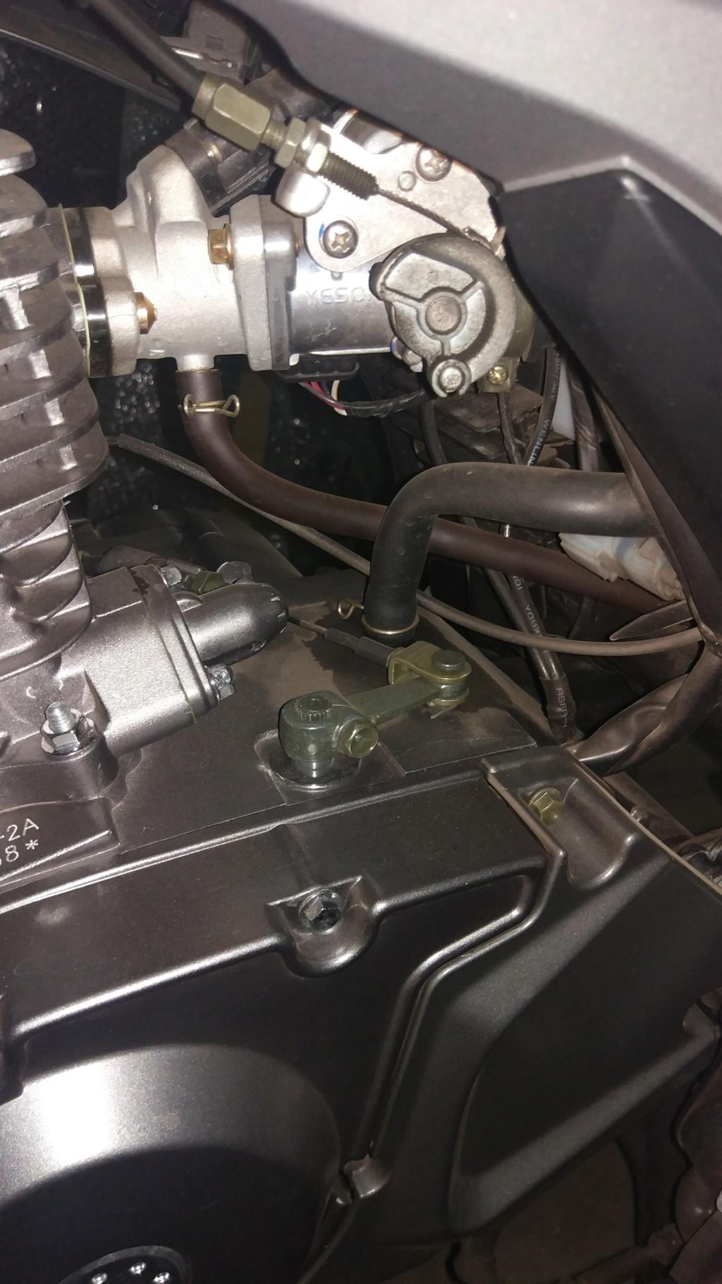Mancha en el motor y manguera suelta¿?? Img_2022
