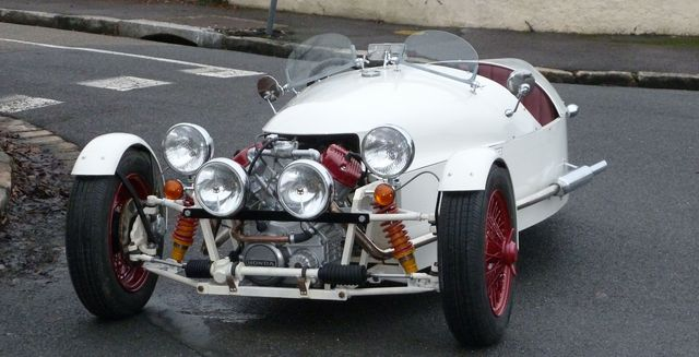 Tricylcle JZR V2 honda à base de moteur CX...    P1020010