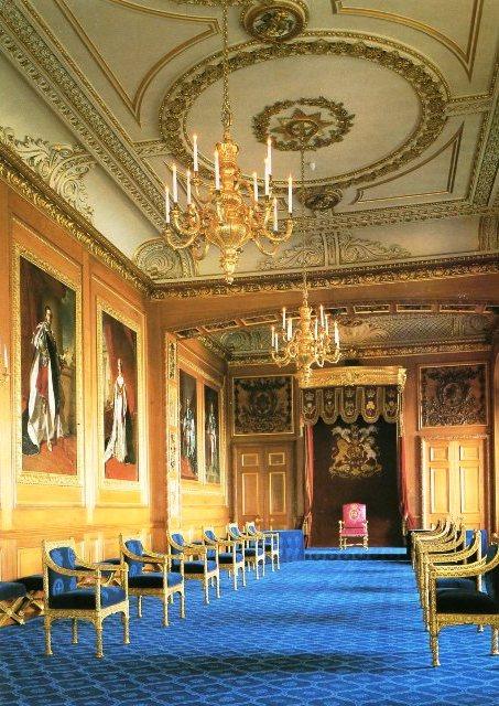 Exposition « Trônes en majesté, l'autorité et son symbole » - Page 2 Img17211