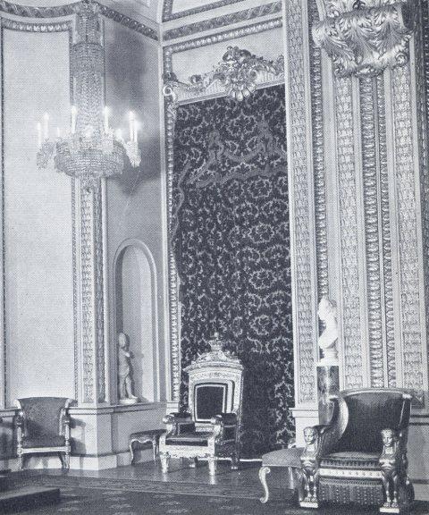 Exposition « Trônes en majesté, l'autorité et son symbole » - Page 2 Img18010