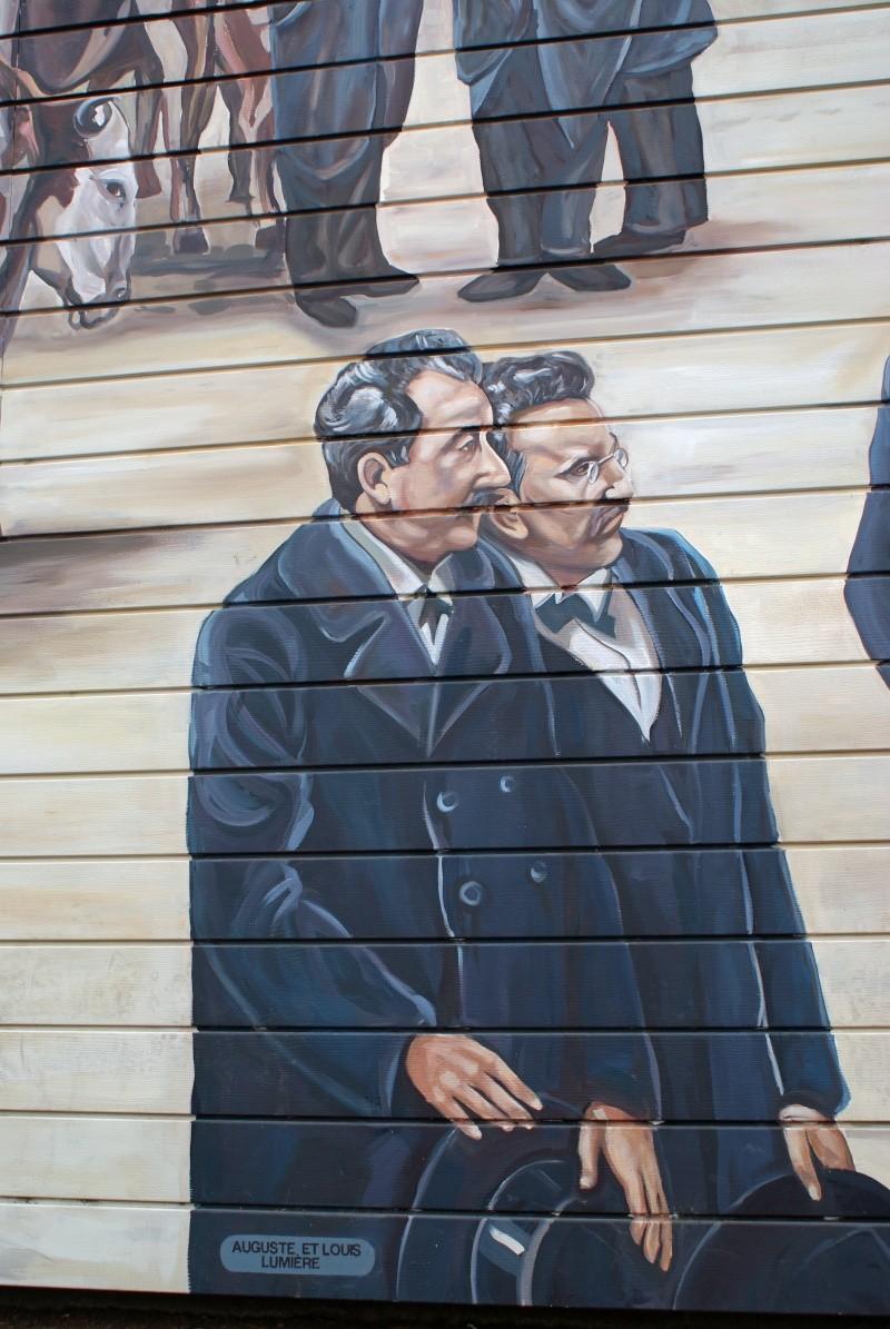 Street view: La cité idéale en 25 Fresques murales à Lyon 1111