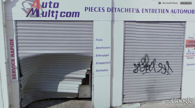 STREET VIEW: Garage automobiles percuté par auto? (Lyon, France) 127