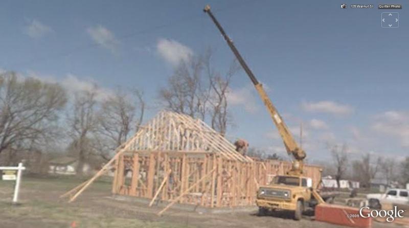 STREET VIEW : une maison en bois en construction, Chelsea, USA 814