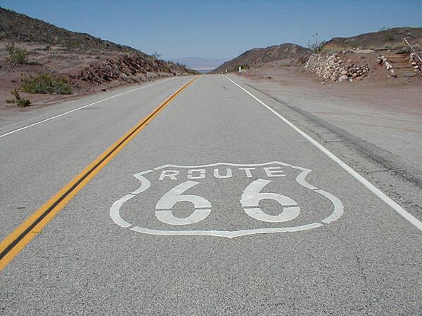 Route 66 : parcours d'un mythe américain. Route-10