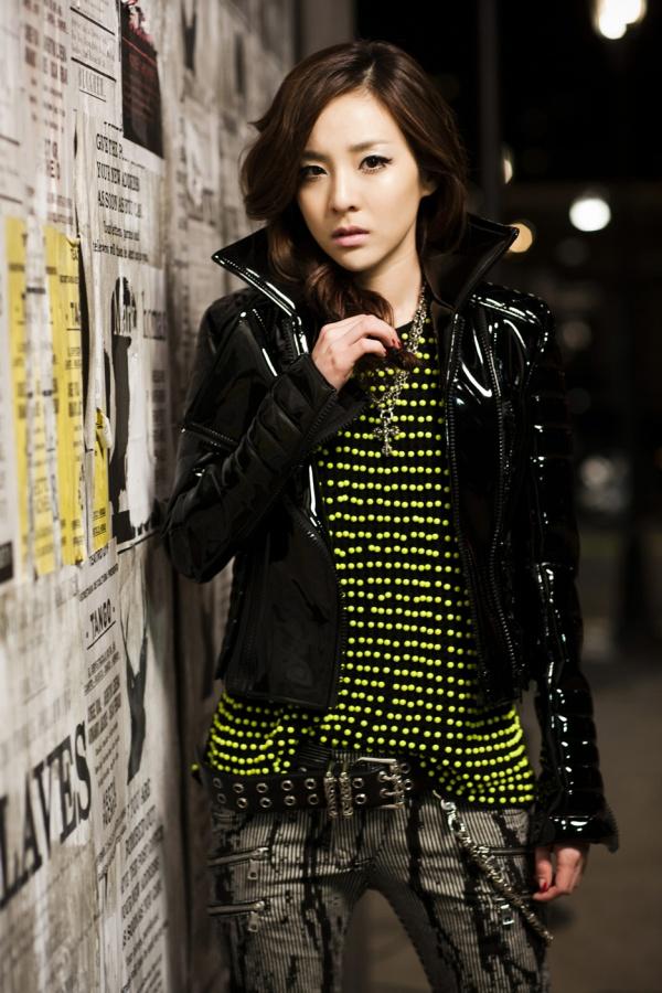 """2NE1 """"LONELY"""" COMEBACK 645df010"""