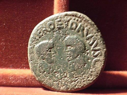 As de Cartagonova por Tiberio (con Nerón y Druso). 215
