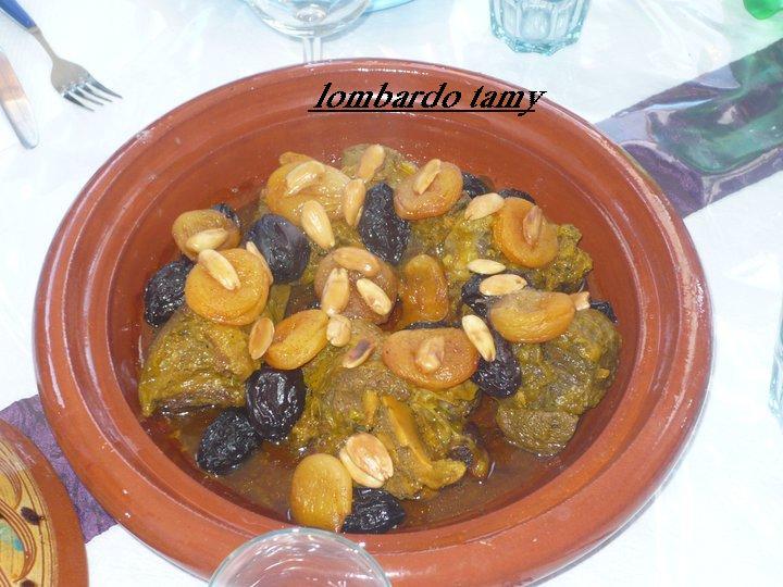 Tajine Mrouzia ou Mrouziya Marocaine (Viande d'Agneau avec Pruneaux et Abricots secs) Xxx1010