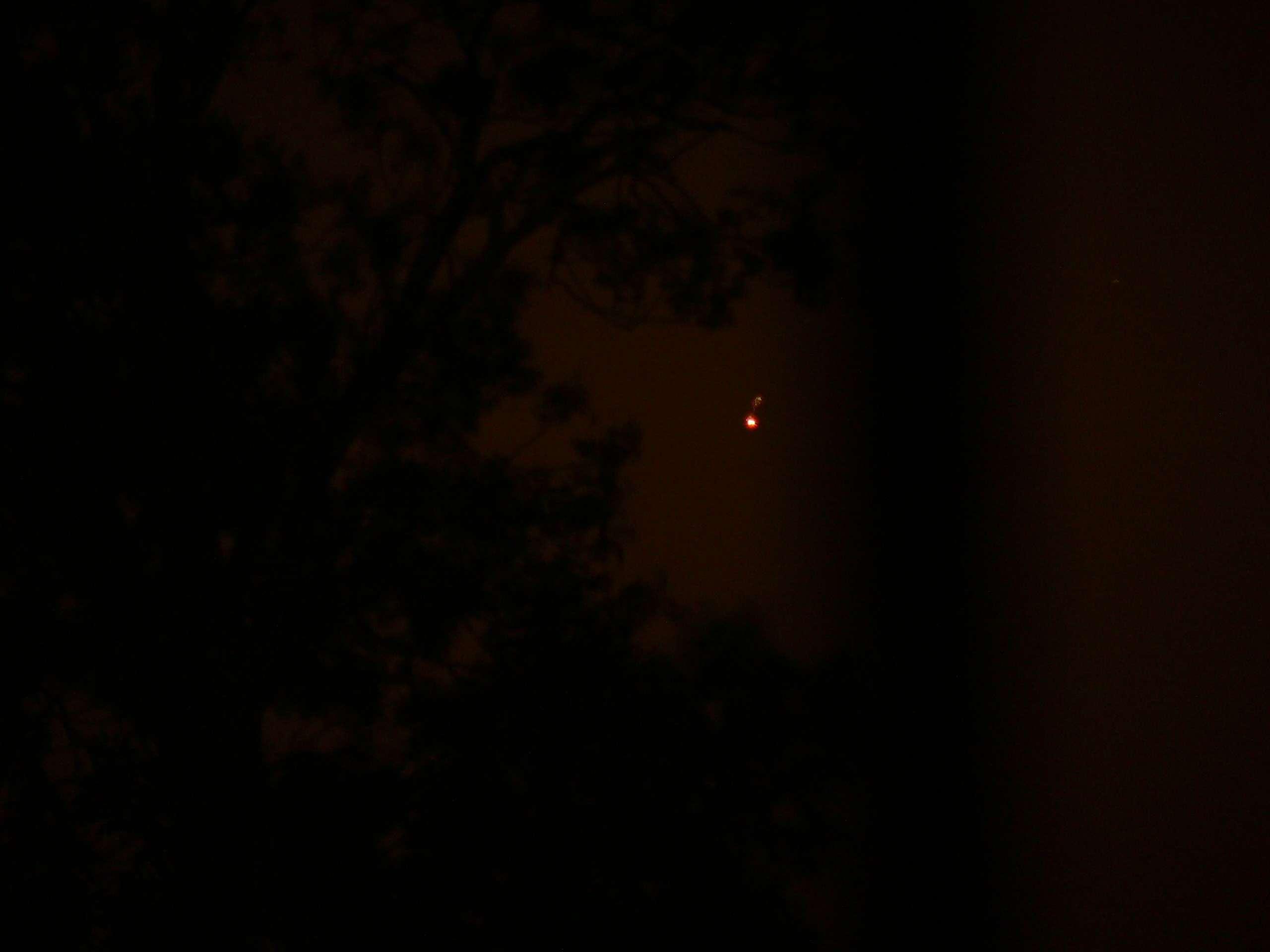 Plateau de Saclay (91) nuit du 24 au 25 mai 2011 : lumières mouvantes - Page 2 P1200419
