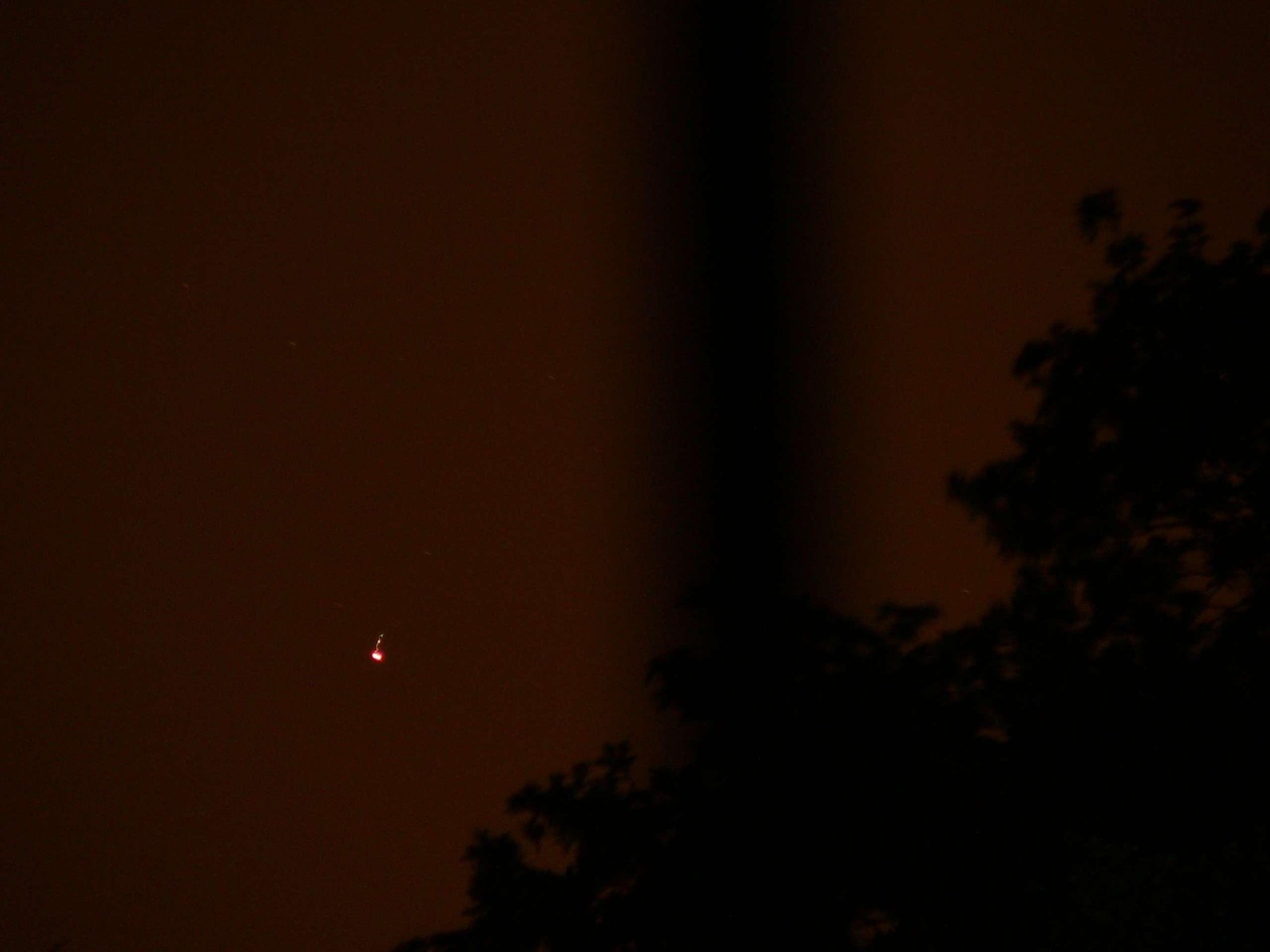 Plateau de Saclay (91) nuit du 24 au 25 mai 2011 : lumières mouvantes - Page 2 P1200422