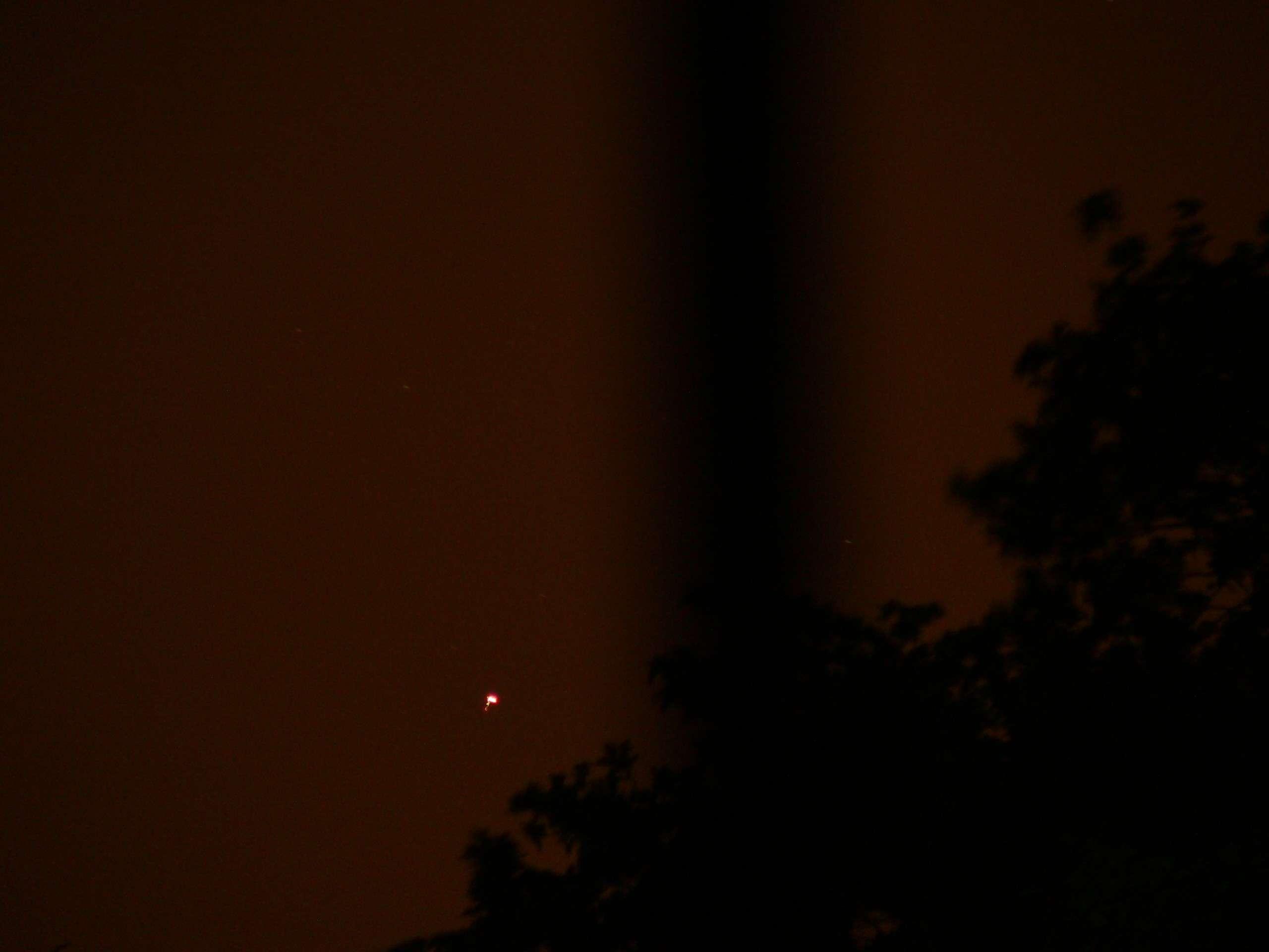 Plateau de Saclay (91) nuit du 24 au 25 mai 2011 : lumières mouvantes - Page 2 P1200423