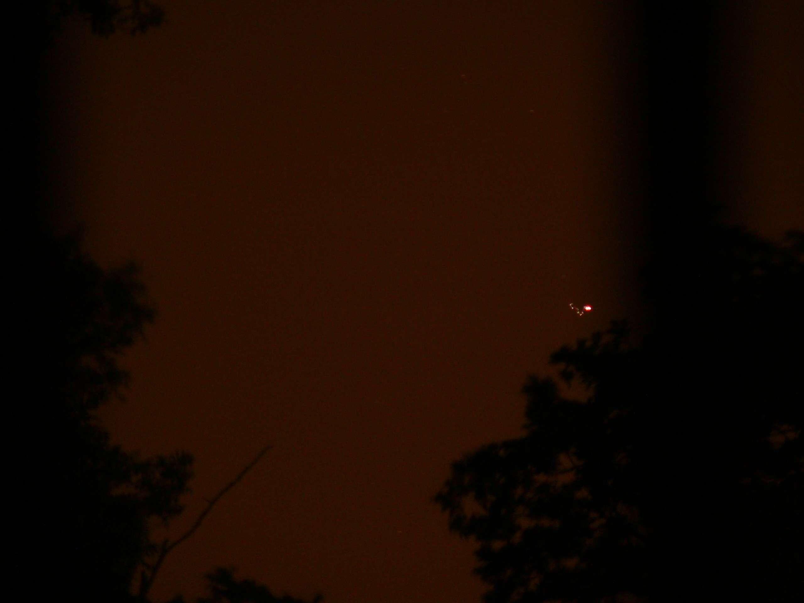 Plateau de Saclay (91) nuit du 24 au 25 mai 2011 : lumières mouvantes - Page 2 P1200425